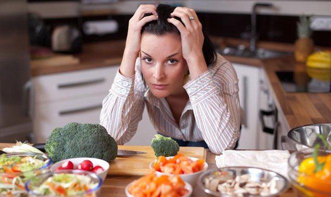 """nội trợ - """"nghề"""" ở nhà nấu cơm"""