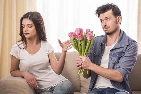 Khi nóng giận, đàn ông cần gì ở phụ nữ?
