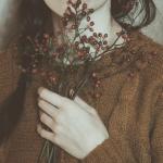 """""""Người yêu cũ giống như một cơn mưa rào, đã bị cảm lạnh một lần là lần sau không dám để quên áo mưa ở nhà nữa."""""""